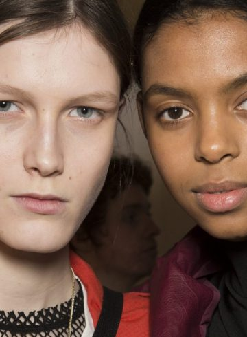 Burberry Spring 2018 Fashion Show Backstage Beauty