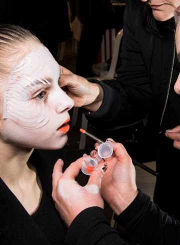 Manish Arora Fall 2018 Fashion Show Backstage Beauty