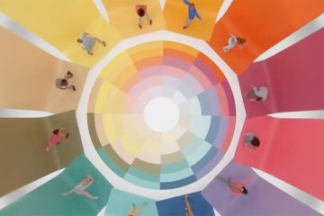 Gap and Yard NYC partnered to create a giant human zoetrope