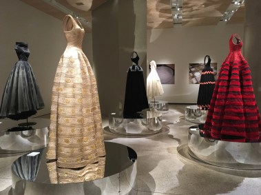azzedine-alaia-design-museum-exhibition-the-impression-011