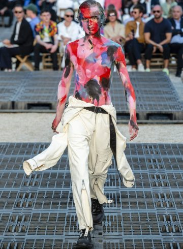 Alexander Mcqueen Spring 2019 Men's Fashion Show