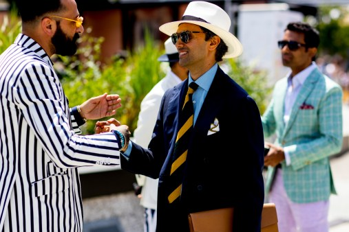 pitti-uomo-mens-street-style-sping-2019-fashion-shown-the-impression-025