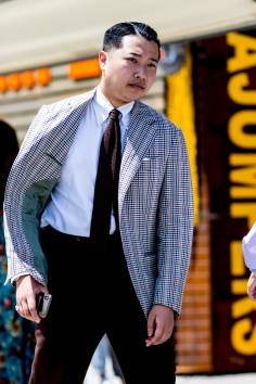 pitti-uomo-mens-street-style-sping-2019-fashion-shown-the-impression-031