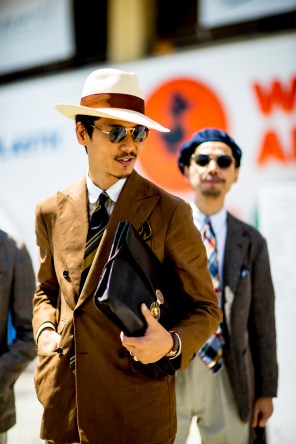 pitti-uomo-mens-street-style-sping-2019-fashion-shown-the-impression-038