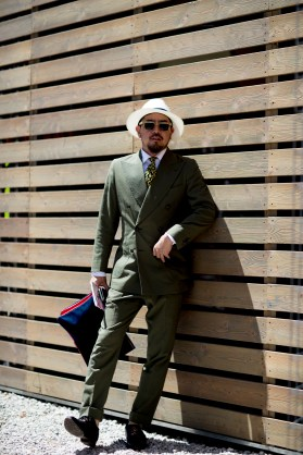 pitti-uomo-mens-street-style-sping-2019-fashion-shown-the-impression-047