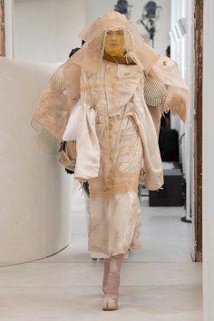 maison-margelia-fall-2018-couture-show-the-impression-032