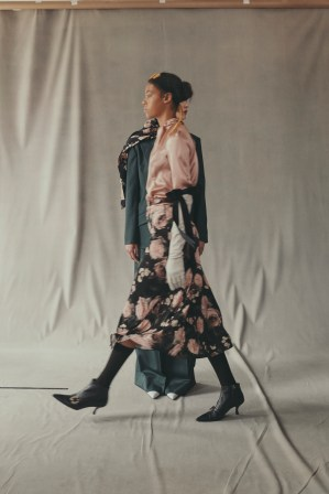 erdem-fall-2018-ad-campaign-the-impression-027