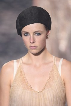 Christian Dior Bis Spring 2019 Fashion Show Runway Beauty Cont.