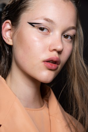 Rochas Spring 2019 Fashion Show Backstage