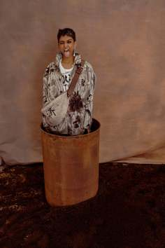vivienne-westwood-fall-2018-ad-campaign-the-impression-023