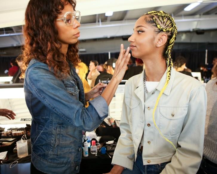 MOSCHINO [tv] H&M Holiday 2018 Fashion Show-backstage-the-impression-020