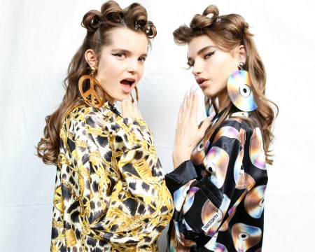 MOSCHINO [tv] H&M Holiday 2018 Fashion Show-backstage-the-impression-034