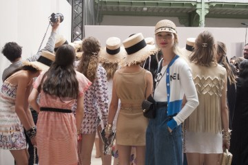 Chanel Spring 2019  Fashion Show Backstage
