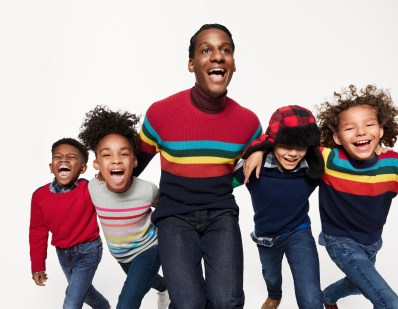 gap-holiday-2018-ad-campaign-the-impression-003