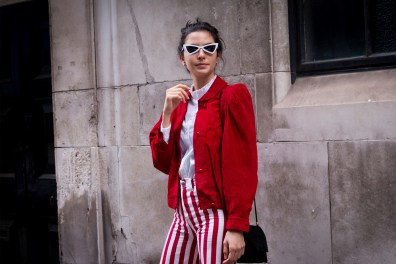 lfw-streetstyle-by-poli-alexeeva-the-impression-015