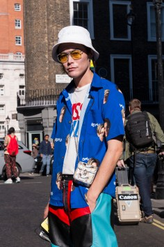 lfw-streetstyle-by-poli-alexeeva-the-impression-022