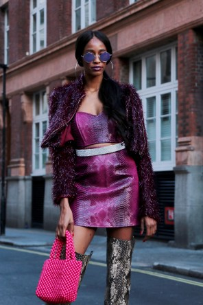lfw-streetstyle-by-poli-alexeeva-the-impression-038
