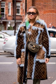 lfw-streetstyle-by-poli-alexeeva-the-impression-042