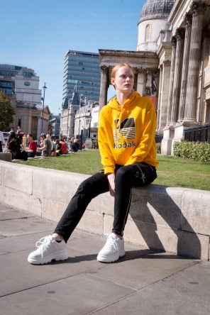 lfw-streetstyle-by-poli-alexeeva-the-impression-056