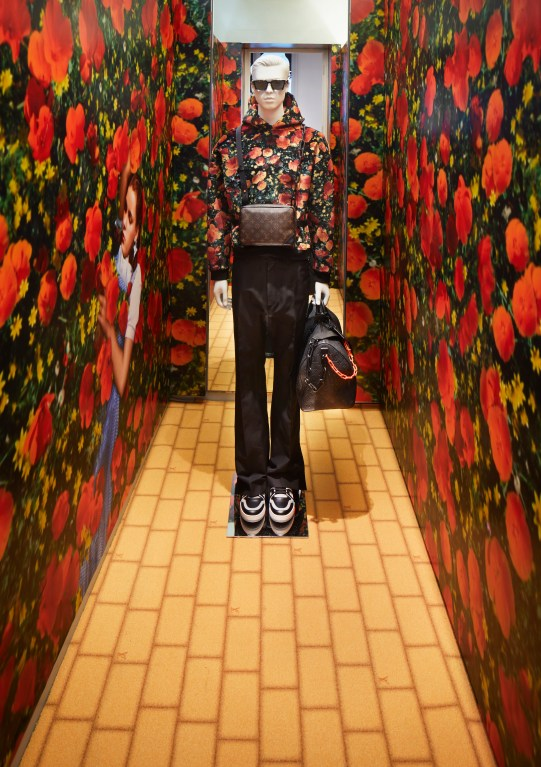 louis-vuitton-london-pop-up-holiday-2018-the-impression-005