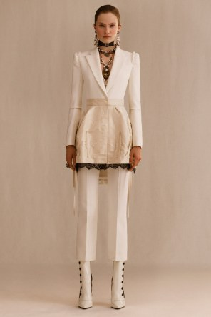 alexander-mcqueen-resort-2019-collection-the-impression-34