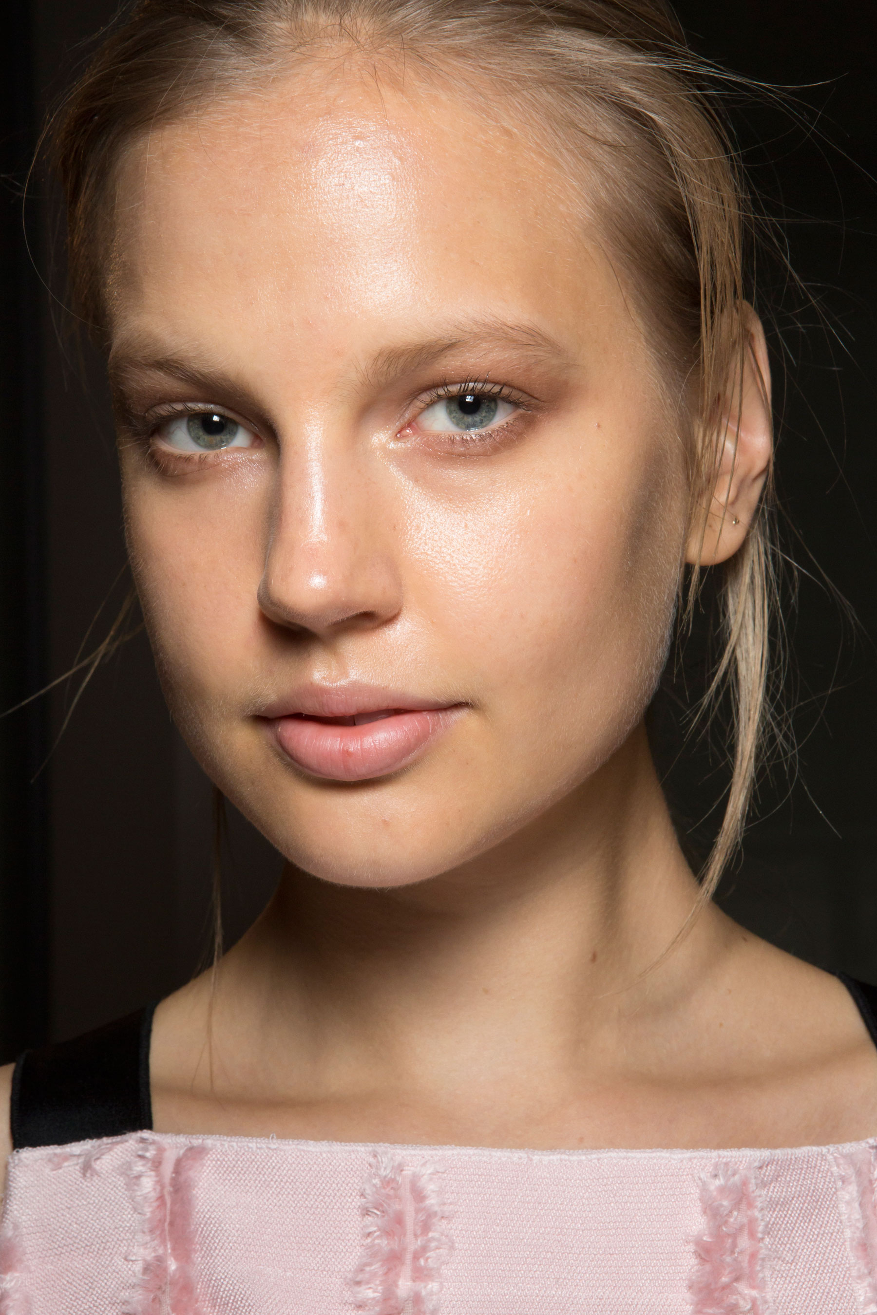 Amanda-wakeley-spring-2016-beauty-fashion-show-the-impression-12