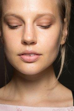 Amanda-wakeley-spring-2016-beauty-fashion-show-the-impression-15