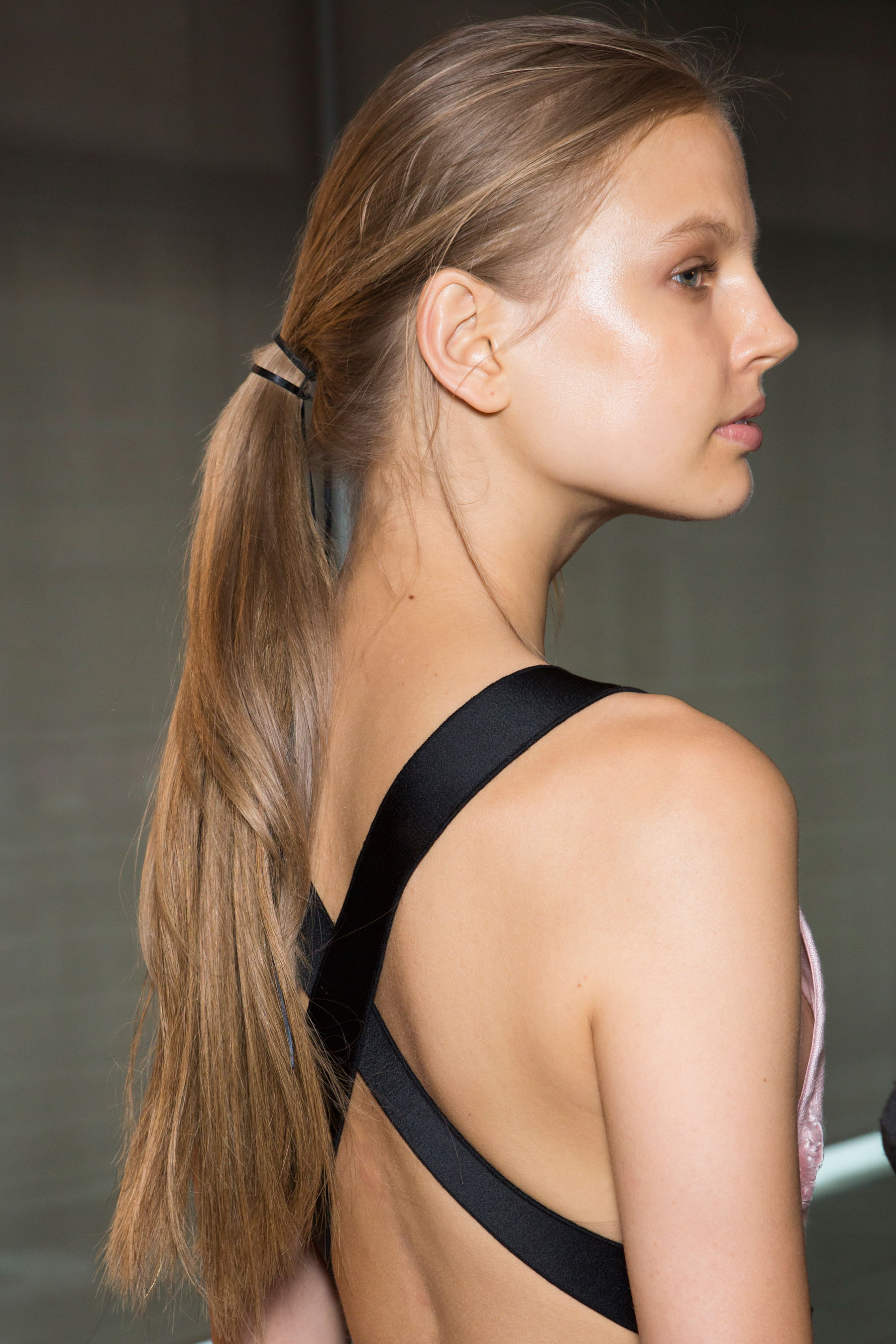 Amanda-wakeley-spring-2016-beauty-fashion-show-the-impression-21