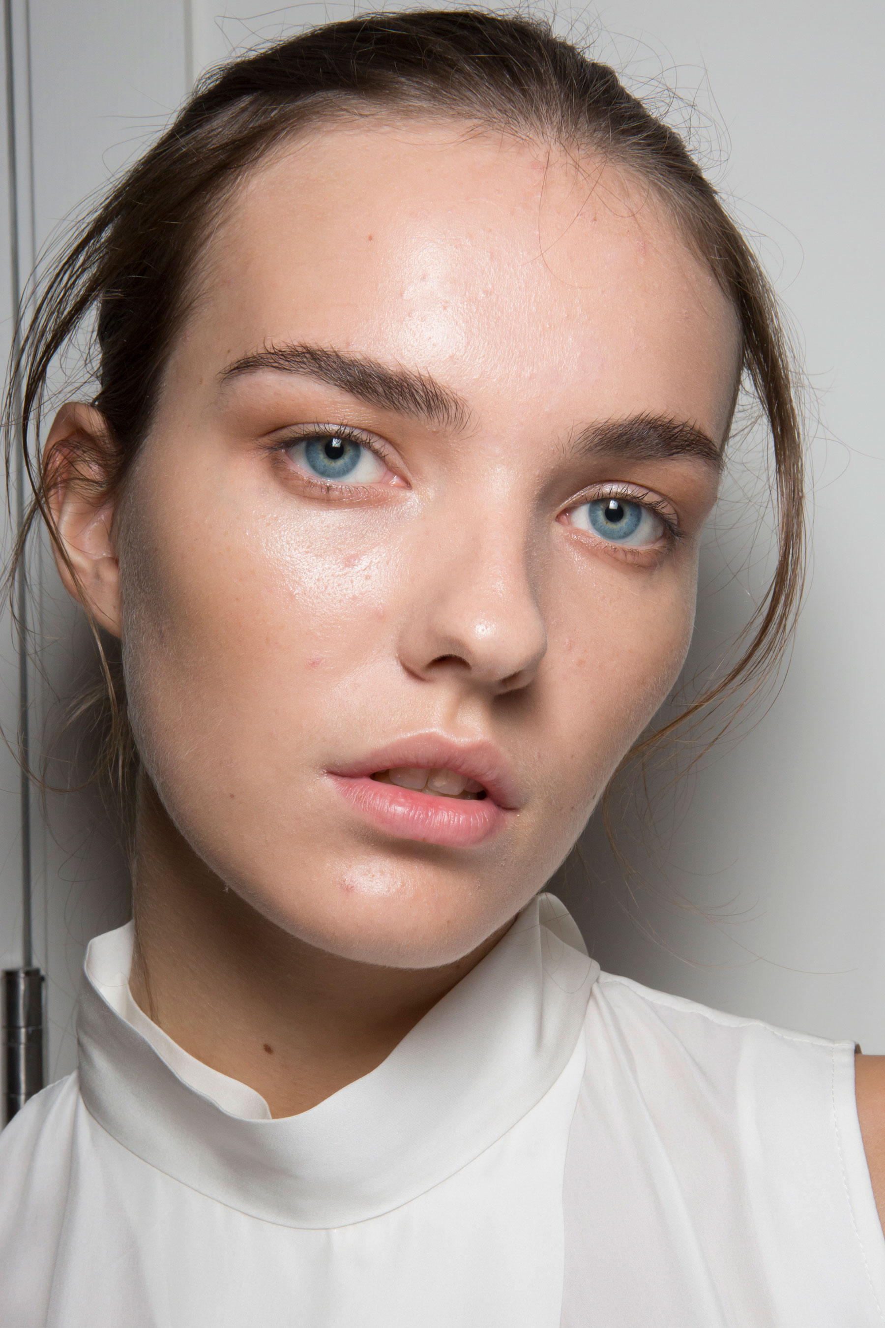 Amanda-wakeley-spring-2016-beauty-fashion-show-the-impression-23