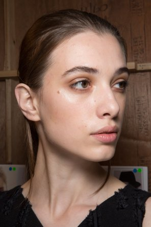 Amanda-wakeley-spring-2016-beauty-fashion-show-the-impression-34
