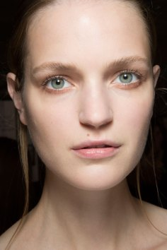 Amanda-wakeley-spring-2016-beauty-fashion-show-the-impression-46