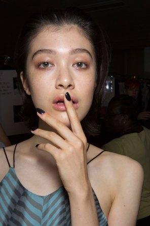 Amanda-wakeley-spring-2016-beauty-fashion-show-the-impression-56