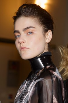 Ann-Demeulemeester-spring-2016-beauty-fashion-show-the-impression-42