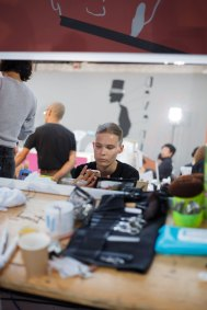 Anrealage-spring-2016-beauty-fashion-show-the-impression-07