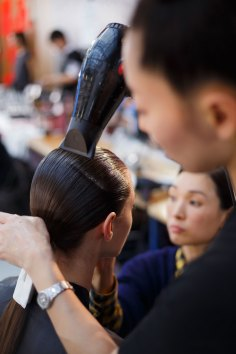 Anrealage-spring-2016-beauty-fashion-show-the-impression-17