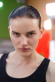 Anrealage-spring-2016-beauty-fashion-show-the-impression-31