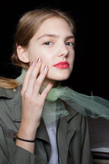 BADGLEY-MISCHKA-backstage-beauty-spring-2016-fashion-show-the-impression-33