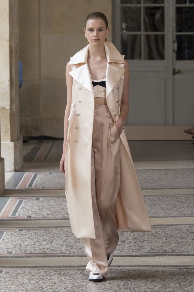 BOUCHRA-JARRAR-fall-2015-couture-show-the-impression-020