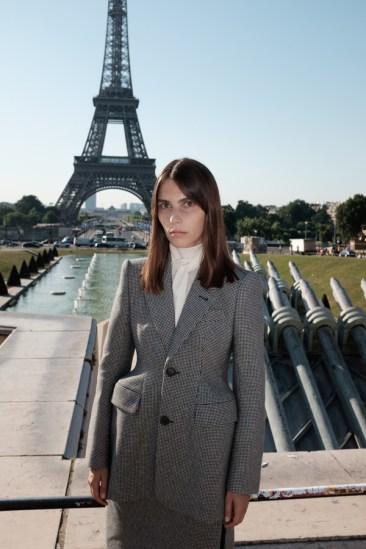 Balenciaga-and-Mytheresa-danny-sangra-fall-2016-film-the-impression-002