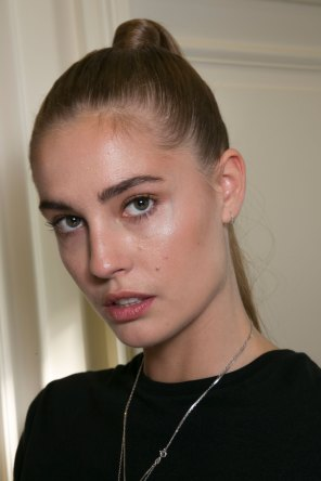 Balmain-spring-2016-beauty-fashion-show-the-impression-29