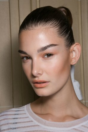 Balmain-spring-2016-beauty-fashion-show-the-impression-44