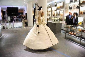 Barneys-New-York-Gaga-Workshop-holiday-2011-the-impression016