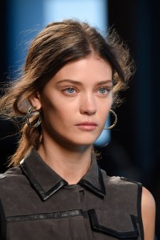 Bottega-Veneta-runway-beauty-spring-2016-close-up-fashion-show-the-impression-014