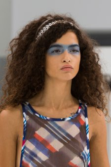Chanel-spring-2016-runway-beauty-fashion-show-the-impression-27