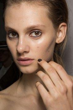 Christopher-Raeburn-spring-2016-beauty-fashion-show-the-impression-12