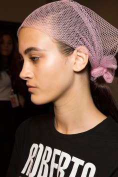 DSquared2-backstage-beauty-spring-2016-fashion-show-the-impression-002
