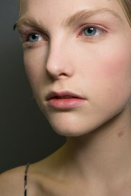 Dior-backstage-beauty-spring-2016-fashion-show-the-impression-006