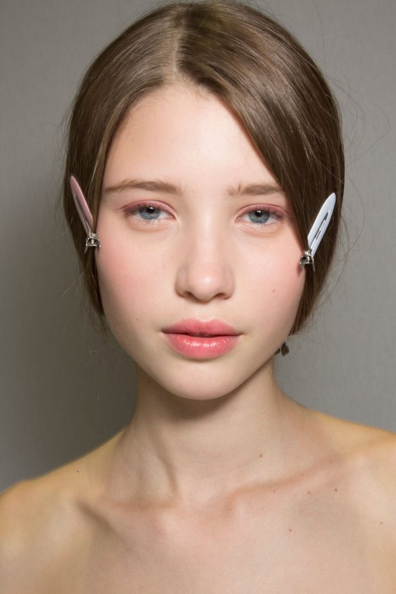 Dior-backstage-beauty-spring-2016-fashion-show-the-impression-009