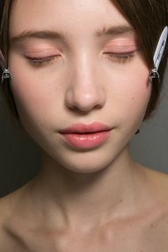Dior-backstage-beauty-spring-2016-fashion-show-the-impression-014
