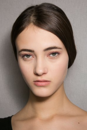 Dior-backstage-beauty-spring-2016-fashion-show-the-impression-033